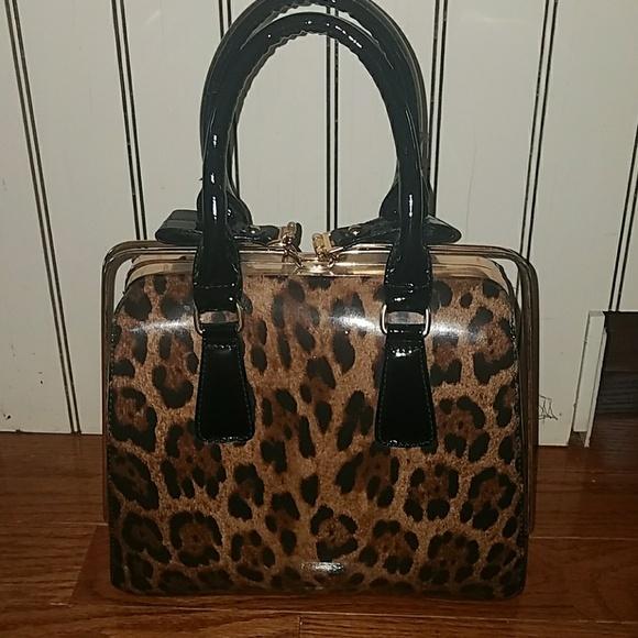 872f194efd5 Handbags - Cute Patent Leopard Print Purse